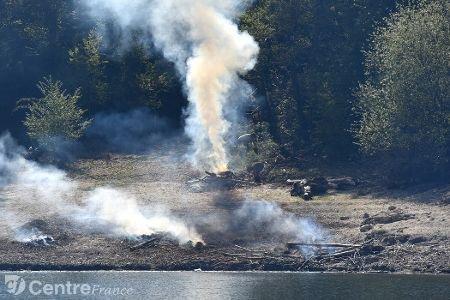 Environnement - Ils ont ramassé 2,6 tonnes de déchets sur les rives du Puech-des-Ouilhes (Cantal)