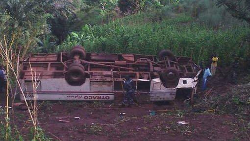 Un bus plonge dans un ravin au Burundi: au moins 16 morts