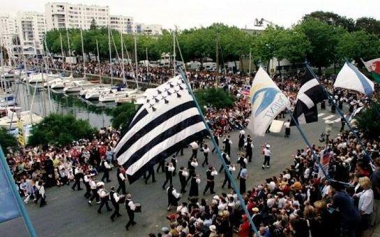 Lorient : deux piétons meurent écrasés par un bus lors du Festival interceltique