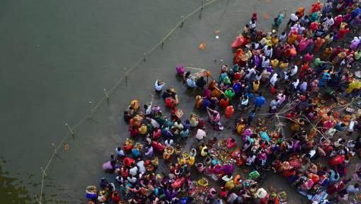 Au moins 31 morts dans un accident d'autocar au Nepal