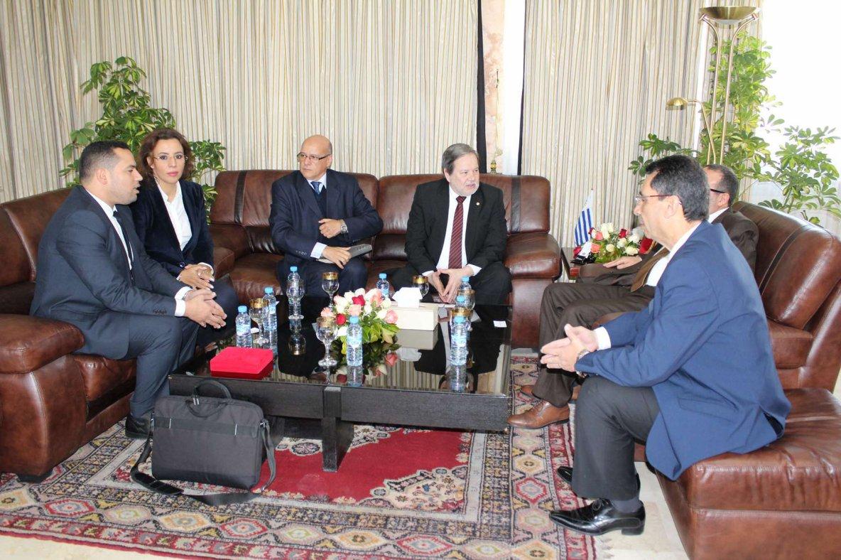 Mohamed Bachir Abdellaoui a confondu les drapeaux de l'Uruguay et du Paraguay