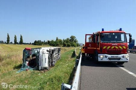 """Accident mortel sur l'A 89 : le conducteur du car dit avoir été """"surpris par un ralentissement"""""""