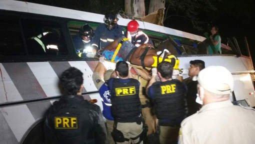 Un accident de bus causé par des tirs fait neuf morts