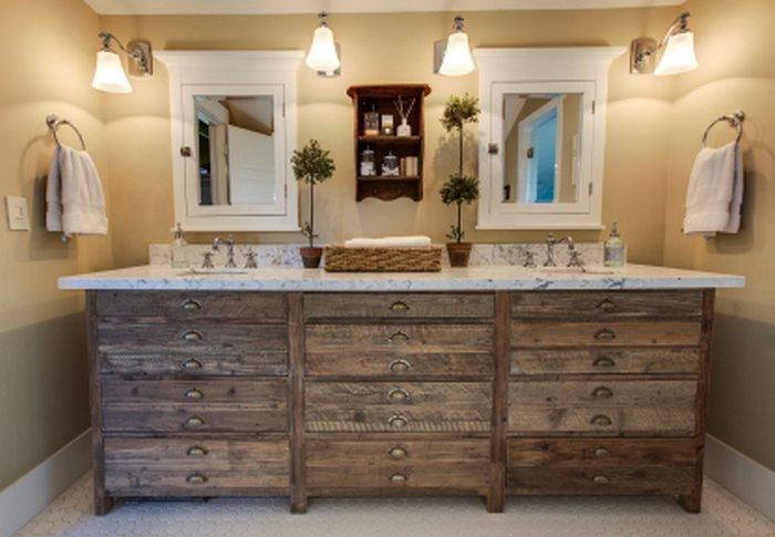 Rustic Bathroom Decor for Traditional Styles