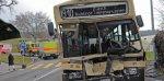 20 Minutes Online - Une collision bus - camion fait 14 blessés - Faits divers