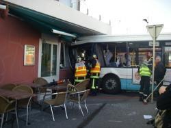 Accident du bus à Annemasse: le chauffeur évacué au Chal pour des blessures légères - LeMessager.fr