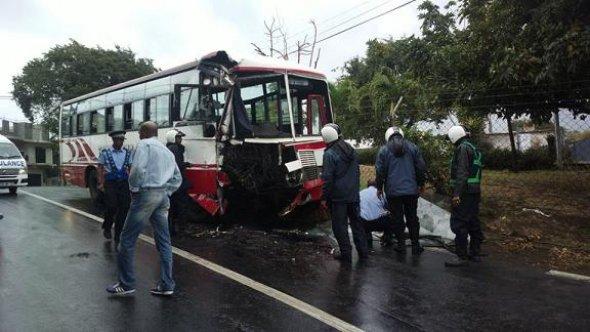 Une vingtaine de blessés dans une collision entre deux bus de TBS à Pointe-aux-Sables