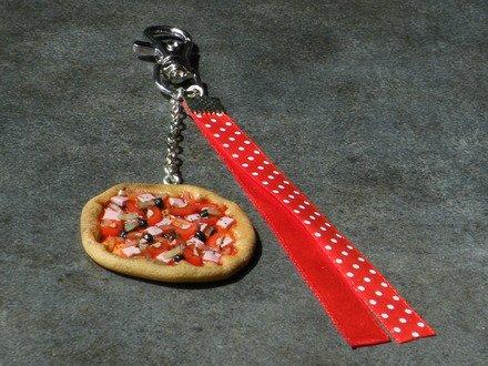Bijoux de sac pizza en fimo