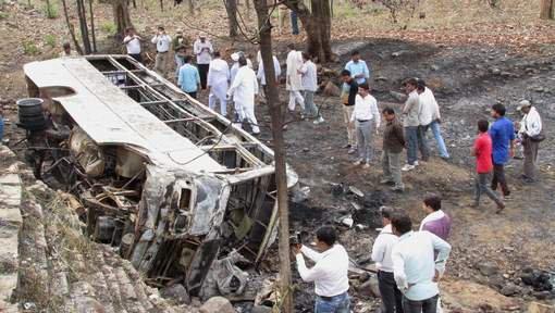 Plus de vingt tués dans un accident de car au Cachemire