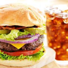 Comment une boisson sucrée fait prendre plus de poids lorsqu'associée à des protéines