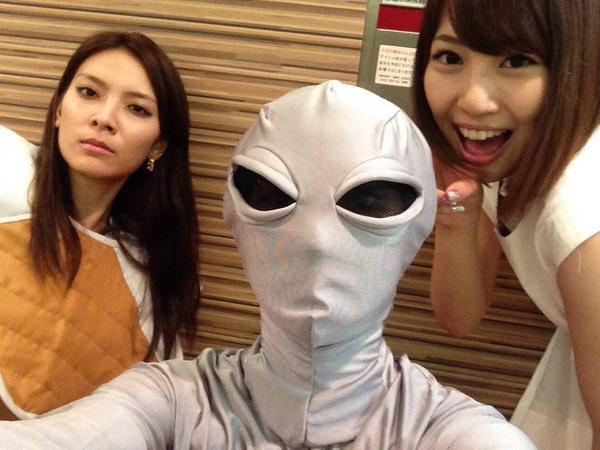大島優子 sur Twitter : これから大事なあの人をお祝いします‼︎ #8月13日 #誰の〜? #誕生日 http://t.co/BArDhSFJDV