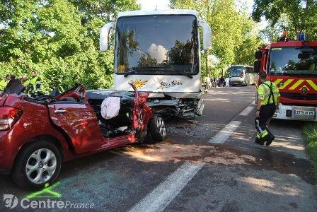 Bus scolaire contre voiture : le jeune Auxerrois est décédé des suites de ses blessures