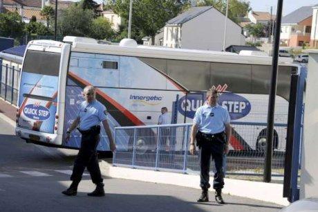 Tour de France : un autobus de l'équipe Quick-Step saisi par les gendarmes