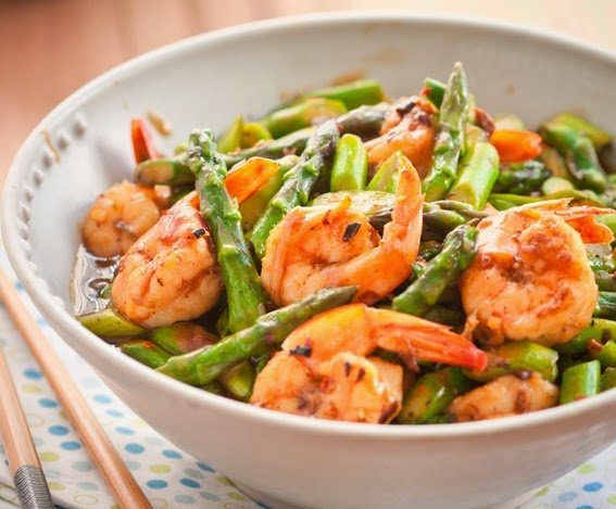 Delicious Foods: Stir-fried Prawns with Asparagus.