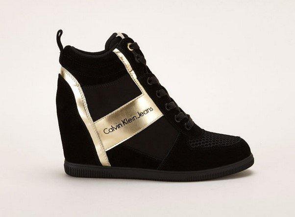 Calvin Klein Jeans Sneakers compensées noires/or - Baskets Femme Monshowroom - Ventes-pas-cher.com