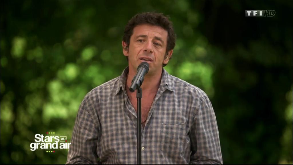 Stars au grand air - Patrick Bruel reprend l'émouvant Je suis de celles (Benabar)