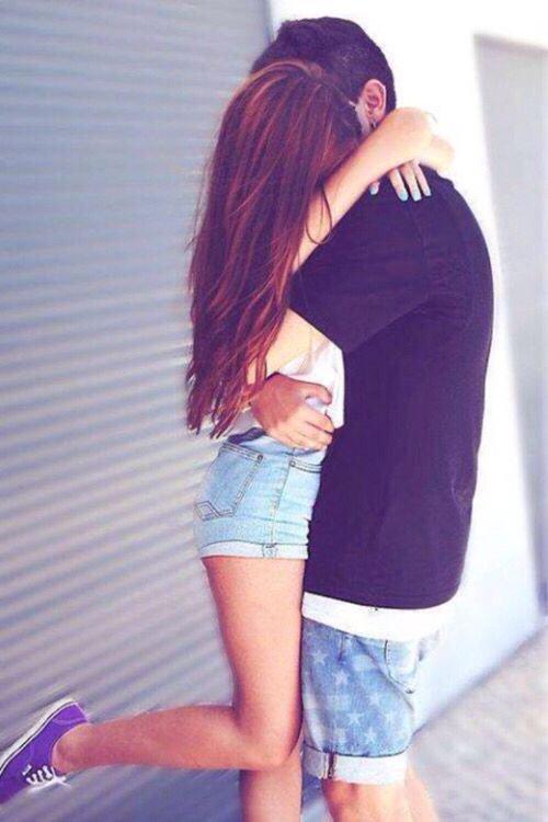 """""""Chaque jour je t'aime davantage, aujourd'hui plus qu'hier et bien moins que demain.💗"""""""
