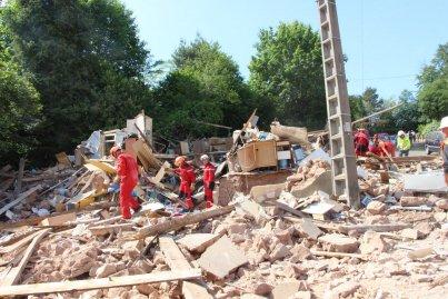 """Une violente explosion souffle une maison ce matin au Creusot, deux blessés en """"urgence absolue"""" (actualisé à 14h50)"""