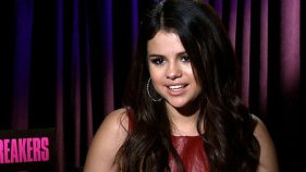 Selena Gomez Goes Head To Head With James Franco on 'Spring Breakers' Set