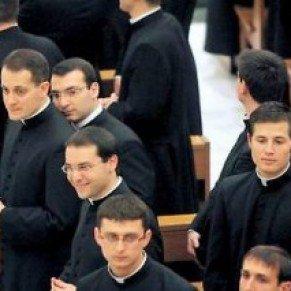 Eglise catholique : 80% des prêtres du Vatican sont homosexuels, affirme un livre-enquête