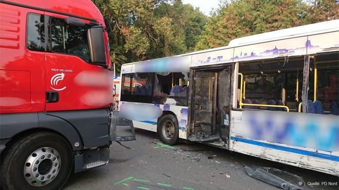 04-09-2018 - Allemagne - Wegeleben - Hanovre - Leipzig - Accident Bus - Une dizaine d'enfants blessés lors d'un accident : l'un d'eux est sérieusement touché