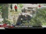 18 morts dans une collision sur une route indonésienne