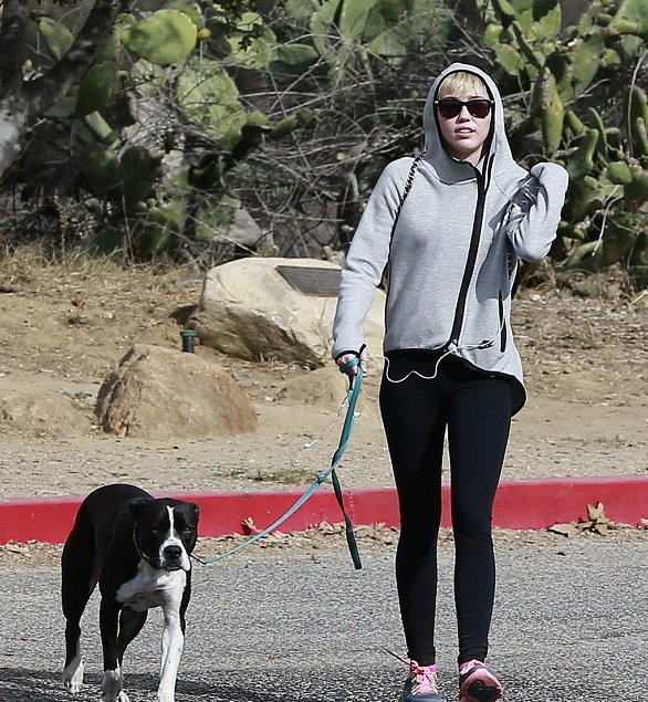 Photo of the Day: Miley Cyrus Sunday Morning Photos