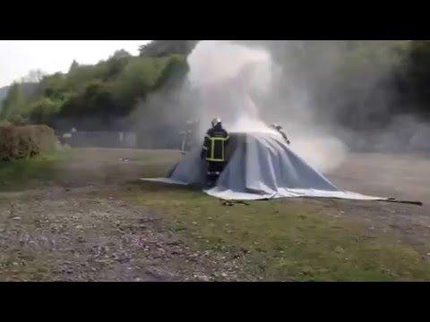 Une créatrice et un pompier volontaire lancent une nouvelle couverture anti-feu