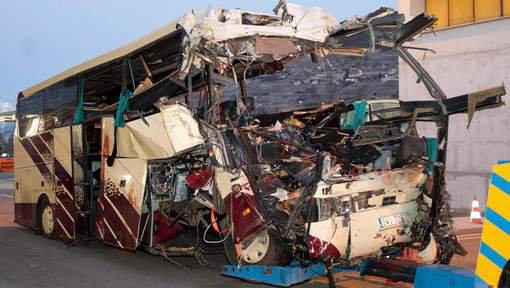 L'épave de l'autocar de Sierre démolie dans la plus grande discrétion