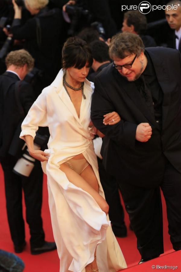 Sophie Marceau : 10 ans après, nouvel incident coquin à Cannes ! - Yahoo Actualités France