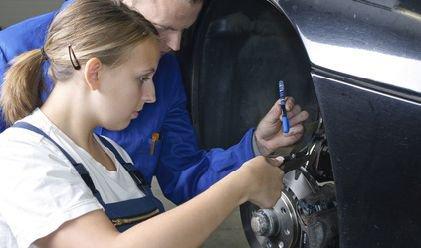 Formation mécanique : apprendre les bases pour réparer sa voiture