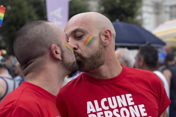 L'Italie adopte définitivement le mariage pour tous