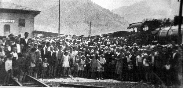 26 de junio de 1934 : Inauguración de la Estación de Feve Moreda de Aller - Last night in Orient