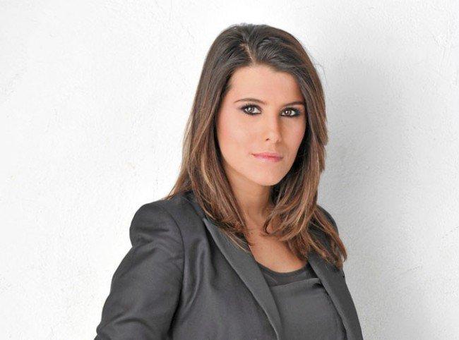 The Voice 2 : Karine Ferri remplace Virginie De Clausade ! | Buzz Medias
