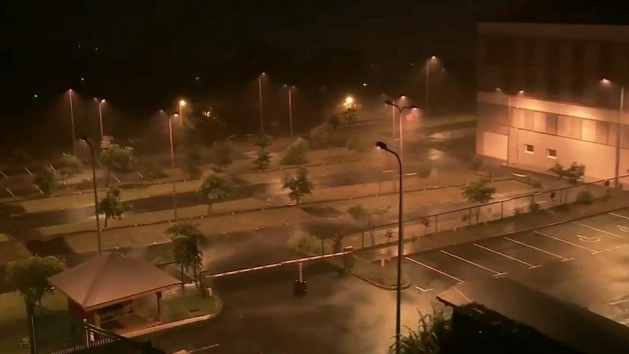 """Lu surBFMTV : Ouragan Maria: """"Le vent provoque un bruit assourdissant"""""""