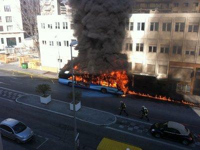 Bus brûlés à Toulon: le réseau Mistral s'interroge