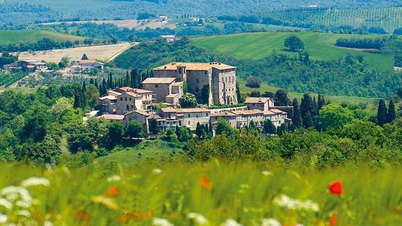 Sismano, un village situé en Ombrie, en plein centre de l'Italie à vendre pour 7 millions d'Euro