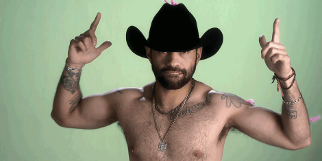 """Macho"": El jocoso video de Kinky"
