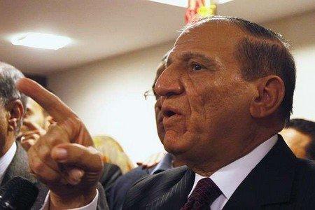 اعتقال المرشح الرئاسي المحتمل سامي عنان في القاهرة