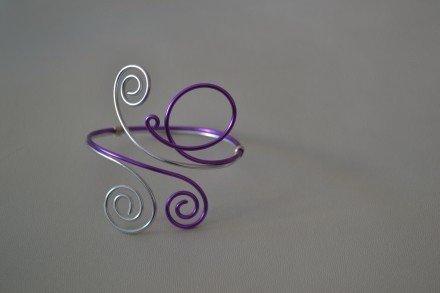 Bracelet Egyptien en fil aluminium : Bracelet par changeline-crea sur ALittleMarket