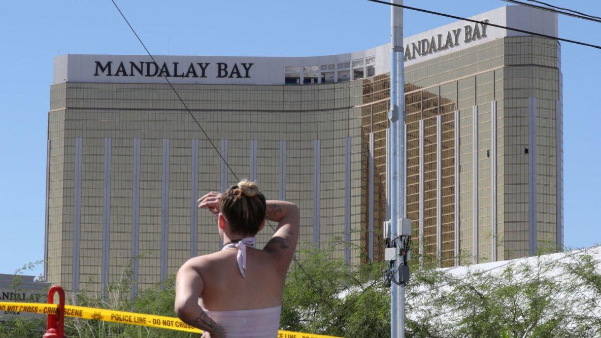 Las Vegas shooting: Gunman Stephen Paddock 'had 42 guns and explosives'