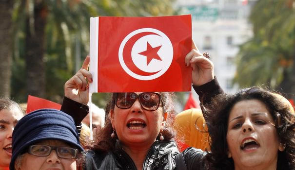 Tunisie: un appel pour que les femmes puissent épouser des non-musulmans - L'Express