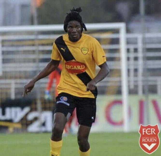 Mahamadou Diarra rejoint le FCR ! Diarra est rouge et blanc !