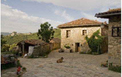 Vivre sans argent : à la conquête des villages abandonnés… | Les moutons enragés