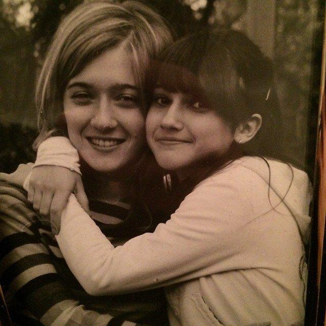 Lodovica enfant avec la soeur :)