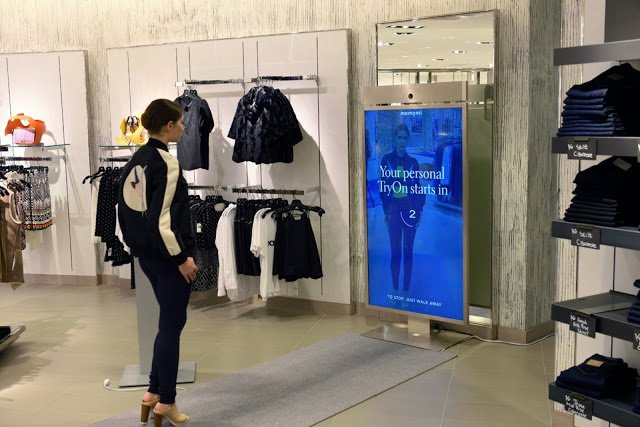 4 Cutting-edge Retail Technology Trends