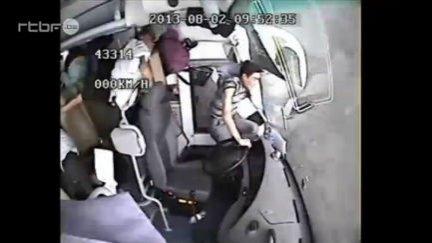Accident de car en Chine du 8 août 2013, info : RTBF Vidéo