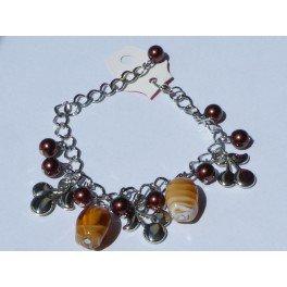 """Bracelet perles marron et pendentif """"cerise"""" par JL Bijoux Création"""