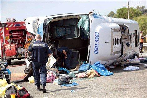 Var. De nombreux blessés et un nourrisson tué dans un accident de car - Faits divers - ouest-france.fr