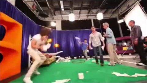 Vidéo One Direction's Quizz! - Meilleures fans nma 2014 - Lisatreffort - Musique